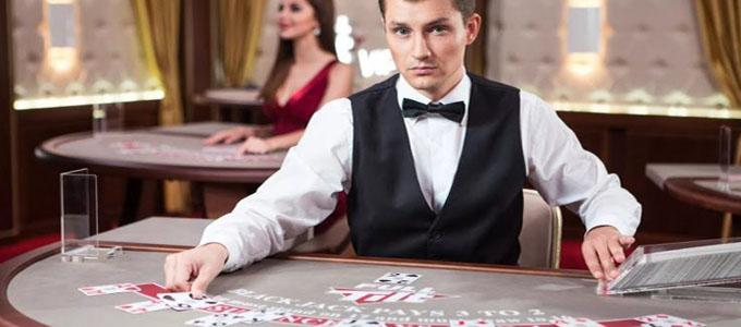Croupier au casino en ligne